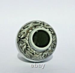 Antique Chinese grisaille porcelain tea caddy, Qianlong (1736-95)