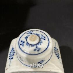 Great Meissen 18th C Porcelain Blue Onion Tea Caddy Jar 6tall