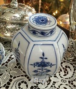 Meissen Blue Onion Porcelain Tea Caddy Jar