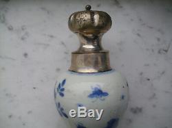 18ème Siècle Porcelaine Chinoise D'exportation Kangxi Boîte À Thé Avec Monture En Argent Néerlandais