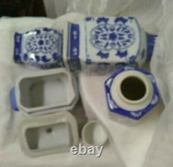 Lot Chinese Antiquevtgebluewhite Porcelaine, Base, Planter, Tea Caddy Trkt Box