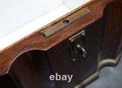 Marqueterie Intérieure Antique De Porcelaine De Caddy De Thé En Bois Avec La Clé