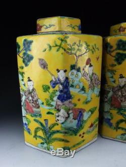 Paire De Chinois Antiques Famille Rose À Thé En Porcelaine Caddies