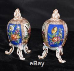 Rare Kpm Porcelaine 3 Oeufs Legged En Forme De Thé Ou Caddy Urne Avec Couvercle Peint À La Main-a