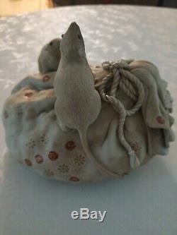 Souris Souris Porcelaine Japonaise Sur Treasure Sac Figurine