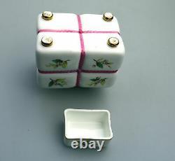 Une Nouveauté Antique Minton Tea Caddy Attribué À Christopher Dresser C. 19thc